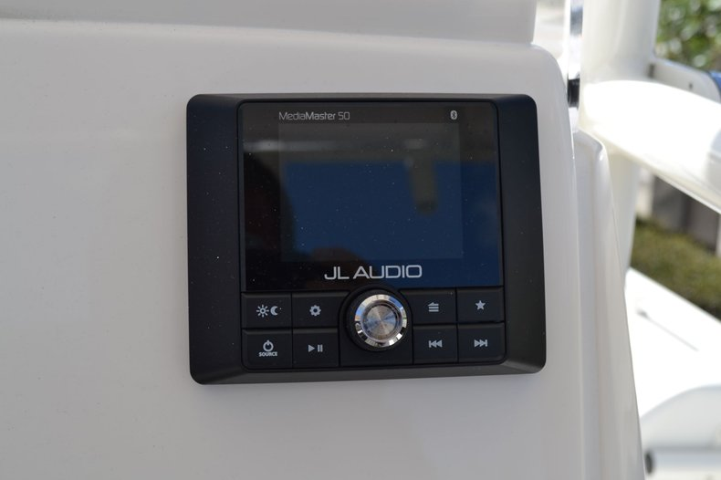Thumbnail 31 for New 2020 Pathfinder 2200 TRS Bay Boat boat for sale in Vero Beach, FL