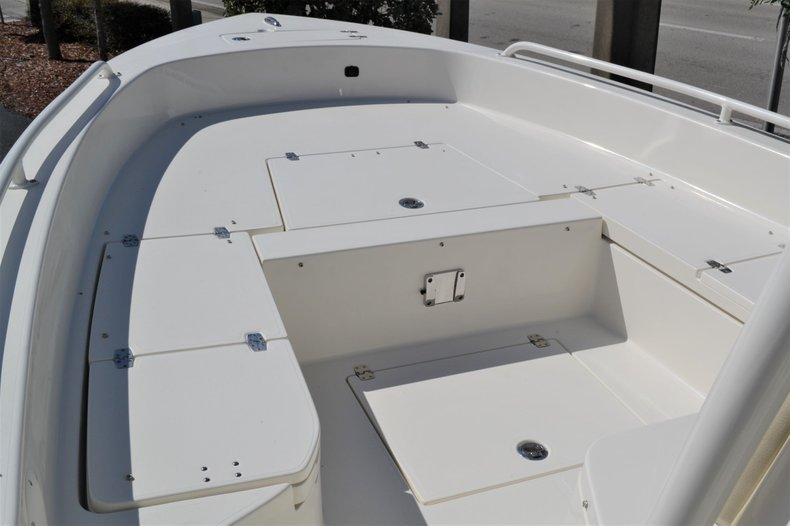 Thumbnail 13 for New 2020 Pathfinder 2600 TRS boat for sale in Vero Beach, FL