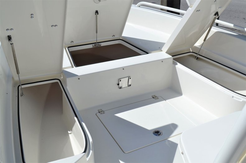 Thumbnail 15 for New 2020 Pathfinder 2600 TRS boat for sale in Vero Beach, FL