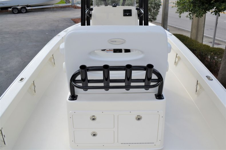 Thumbnail 10 for New 2020 Pathfinder 2500 Hybrid boat for sale in Vero Beach, FL