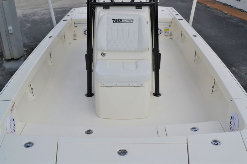 Thumbnail 18 for New 2020 Pathfinder 2500 Hybrid boat for sale in Vero Beach, FL