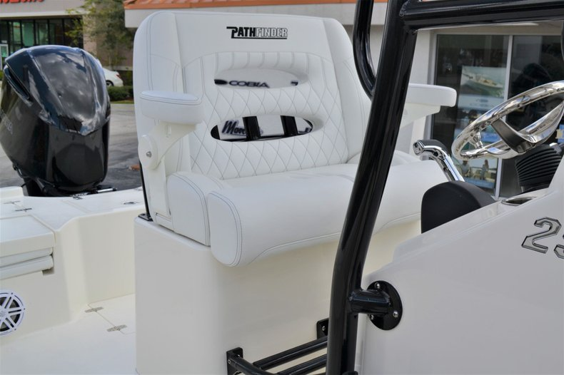 Thumbnail 19 for New 2020 Pathfinder 2500 Hybrid boat for sale in Vero Beach, FL