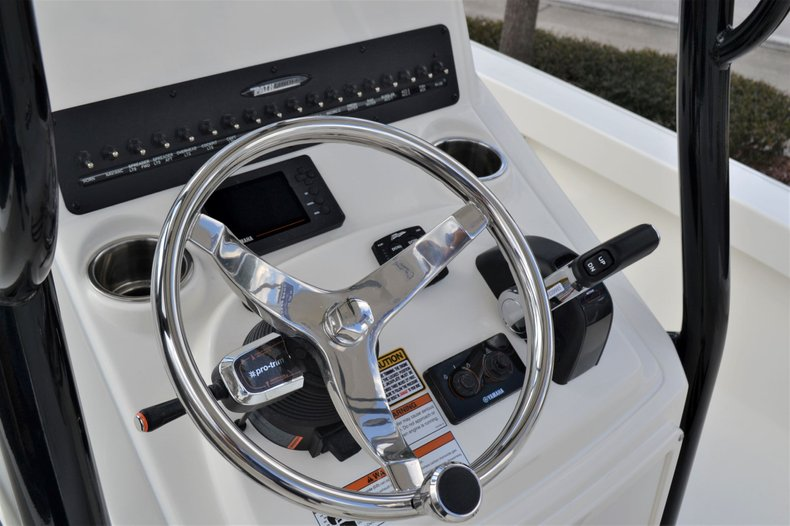 Thumbnail 31 for New 2020 Pathfinder 2500 Hybrid boat for sale in Vero Beach, FL