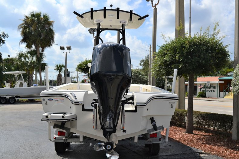Thumbnail 4 for New 2020 Pathfinder 2500 Hybrid boat for sale in Vero Beach, FL
