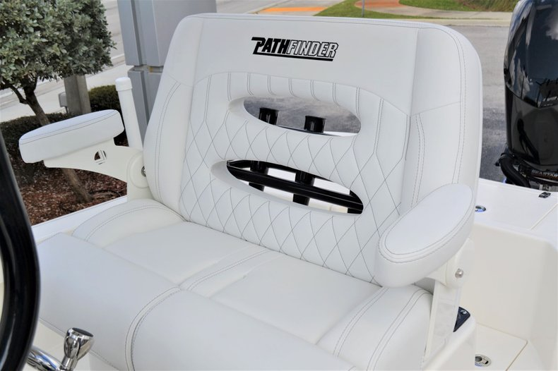 Thumbnail 34 for New 2020 Pathfinder 2500 Hybrid boat for sale in Vero Beach, FL