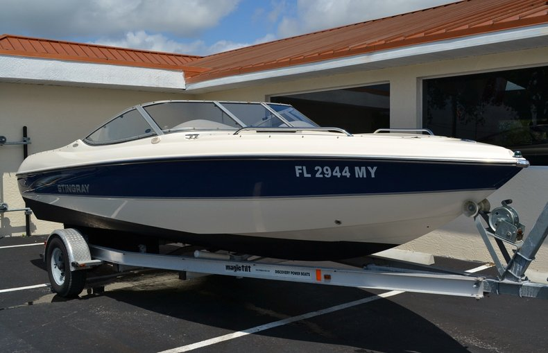 Image 2 for 2004 Stingray 200 LX in Vero Beach, FL