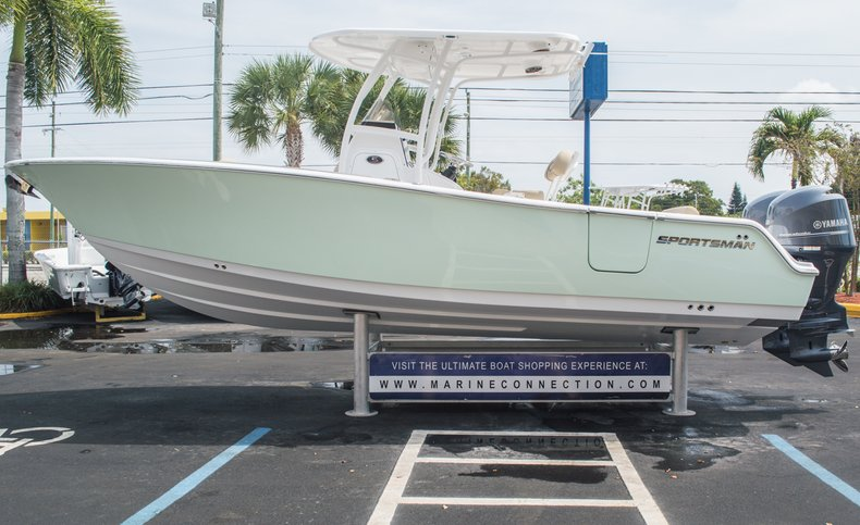 Thumbnail 9 for New 2015 Sportsman Open 252 Center Console boat for sale in Miami, FL