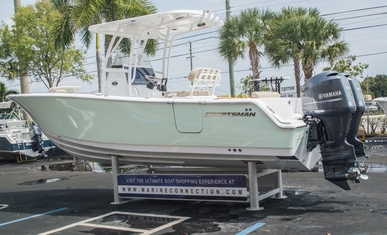 Thumbnail 10 for New 2015 Sportsman Open 252 Center Console boat for sale in Miami, FL