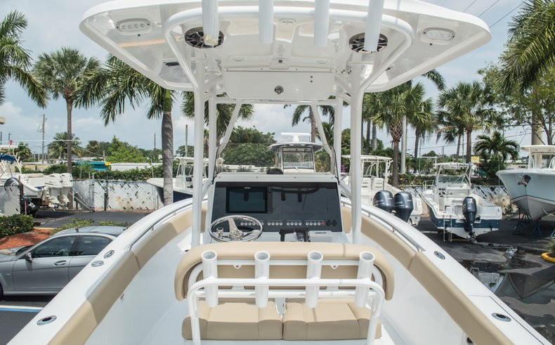 Thumbnail 15 for New 2015 Sportsman Open 252 Center Console boat for sale in Miami, FL