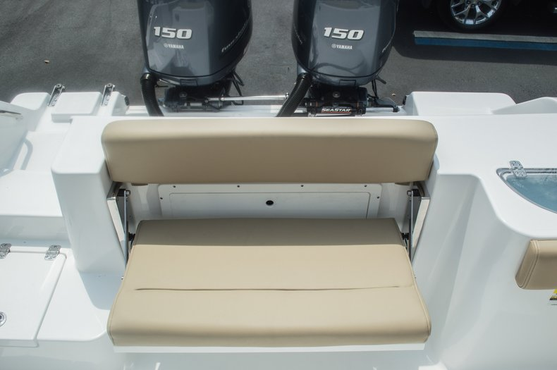 Thumbnail 19 for New 2015 Sportsman Open 252 Center Console boat for sale in Miami, FL