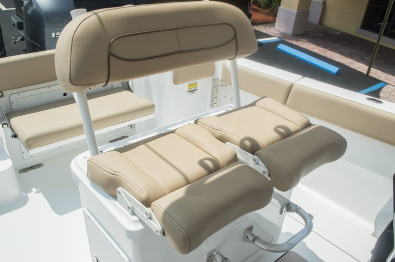 Thumbnail 42 for New 2015 Sportsman Open 252 Center Console boat for sale in Miami, FL