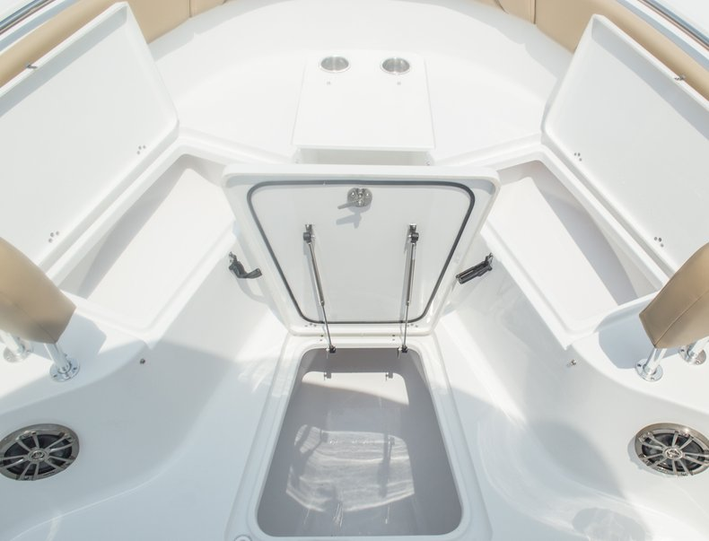 Thumbnail 65 for New 2015 Sportsman Open 252 Center Console boat for sale in Miami, FL