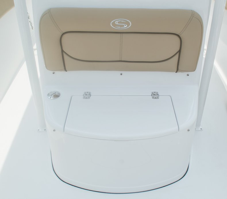 Thumbnail 71 for New 2015 Sportsman Open 252 Center Console boat for sale in Miami, FL