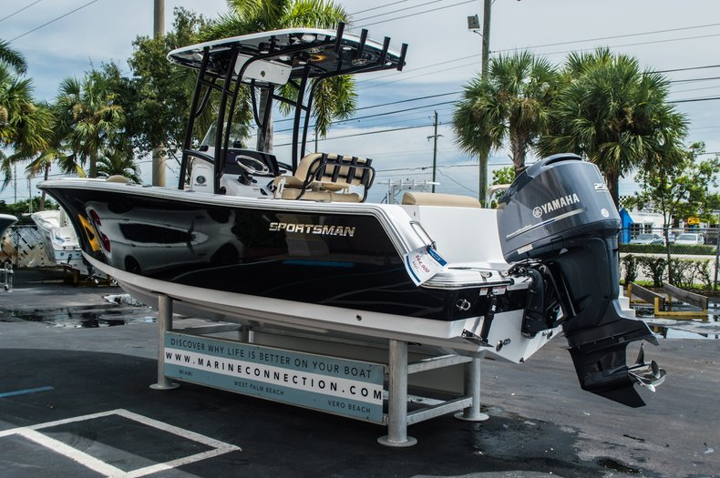 Thumbnail 5 for New 2016 Sportsman Open 232 Center Console boat for sale in Miami, FL