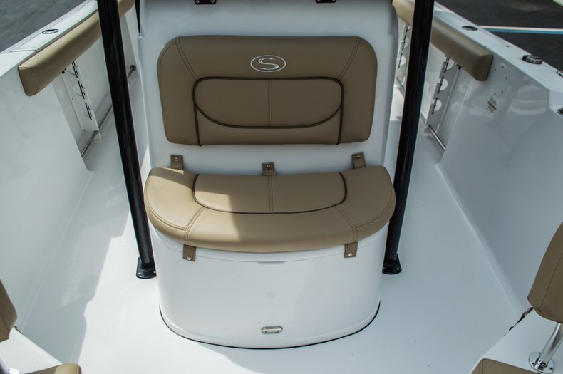 Thumbnail 18 for New 2016 Sportsman Open 232 Center Console boat for sale in Miami, FL