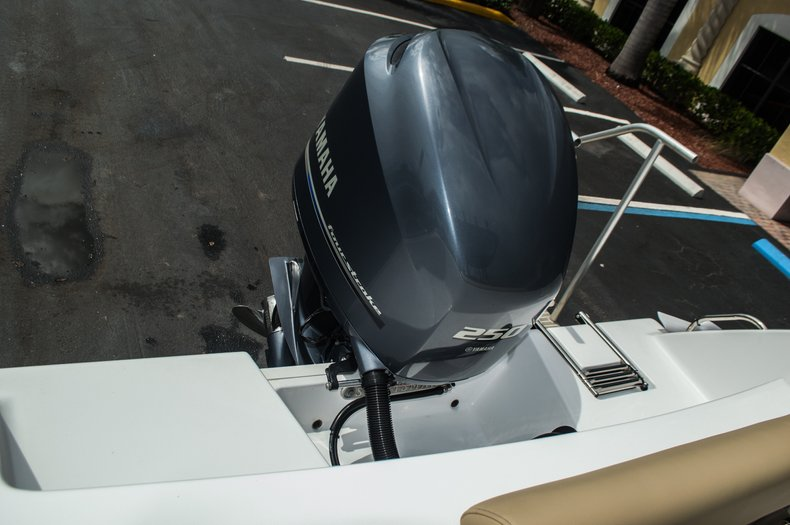 Thumbnail 32 for New 2016 Sportsman Open 232 Center Console boat for sale in Miami, FL