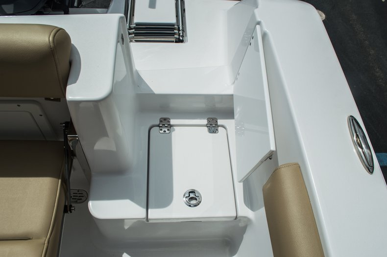 Thumbnail 34 for New 2016 Sportsman Open 232 Center Console boat for sale in Miami, FL