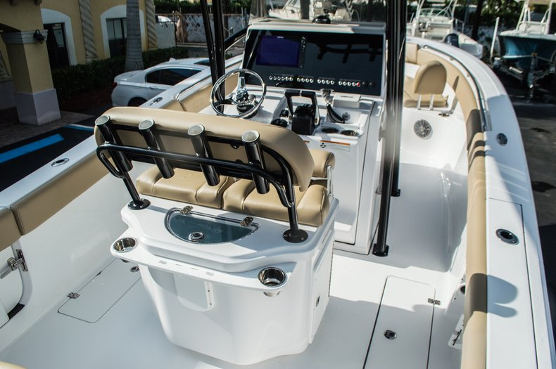 Thumbnail 8 for New 2016 Sportsman Open 252 Center Console boat for sale in Miami, FL