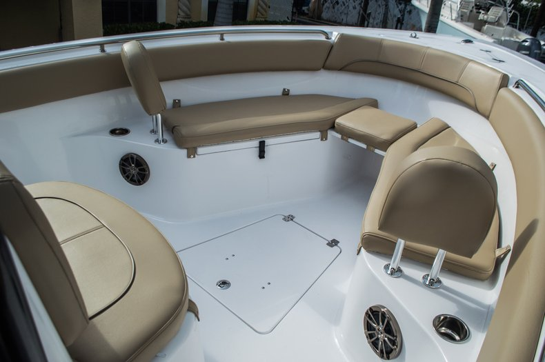 Thumbnail 10 for New 2016 Sportsman Open 252 Center Console boat for sale in Miami, FL