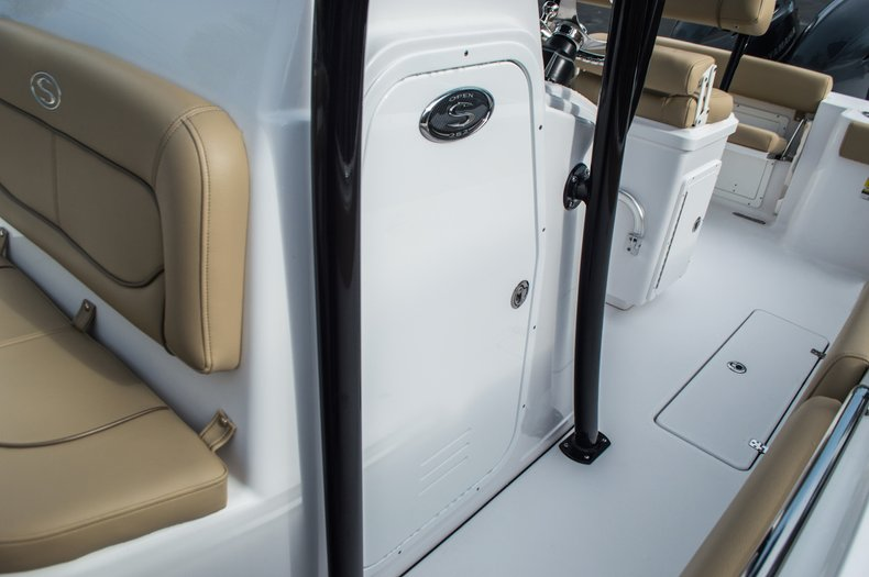 Thumbnail 21 for New 2016 Sportsman Open 252 Center Console boat for sale in Miami, FL