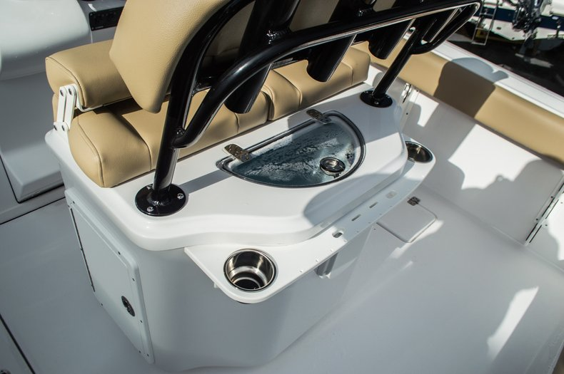 Thumbnail 33 for New 2016 Sportsman Open 252 Center Console boat for sale in Miami, FL
