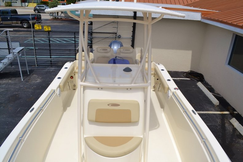 Thumbnail 17 for New 2015 Cobia 217 Center Console boat for sale in Miami, FL