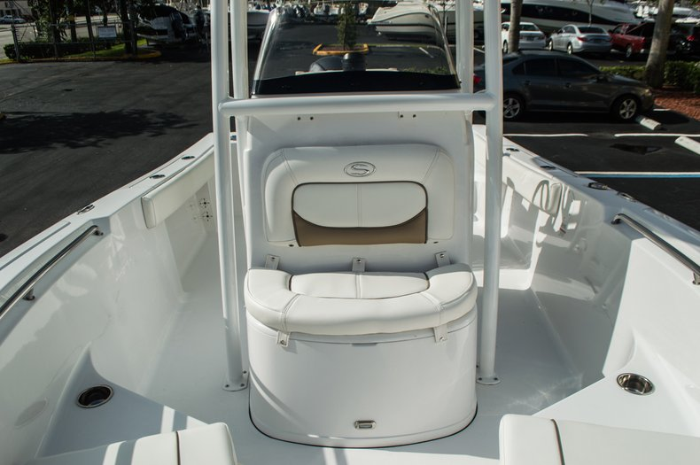 Thumbnail 17 for New 2016 Sportsman Open 212 Center Console boat for sale in Miami, FL