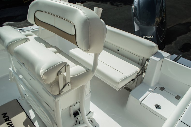 Thumbnail 24 for New 2016 Sportsman Open 212 Center Console boat for sale in Miami, FL