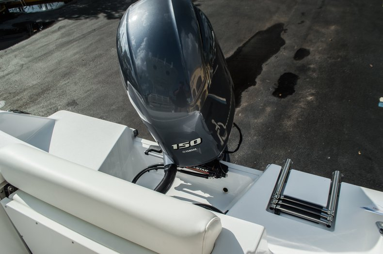 Thumbnail 45 for New 2016 Sportsman Open 212 Center Console boat for sale in Miami, FL