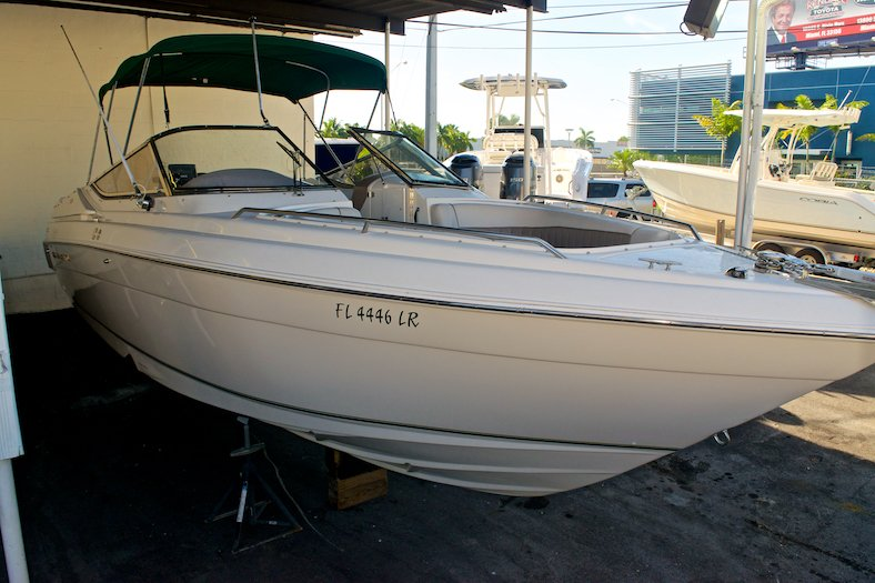 Thumbnail 3 for Used 2002 Regal 2900 LSR Bowrider boat for sale in Miami, FL