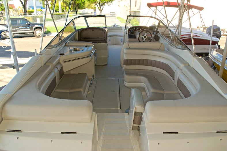 Thumbnail 8 for Used 2002 Regal 2900 LSR Bowrider boat for sale in Miami, FL