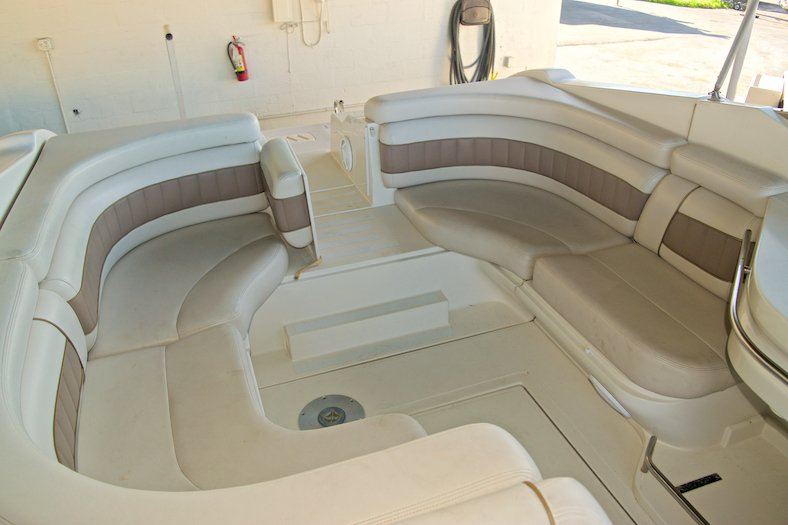 Thumbnail 13 for Used 2002 Regal 2900 LSR Bowrider boat for sale in Miami, FL