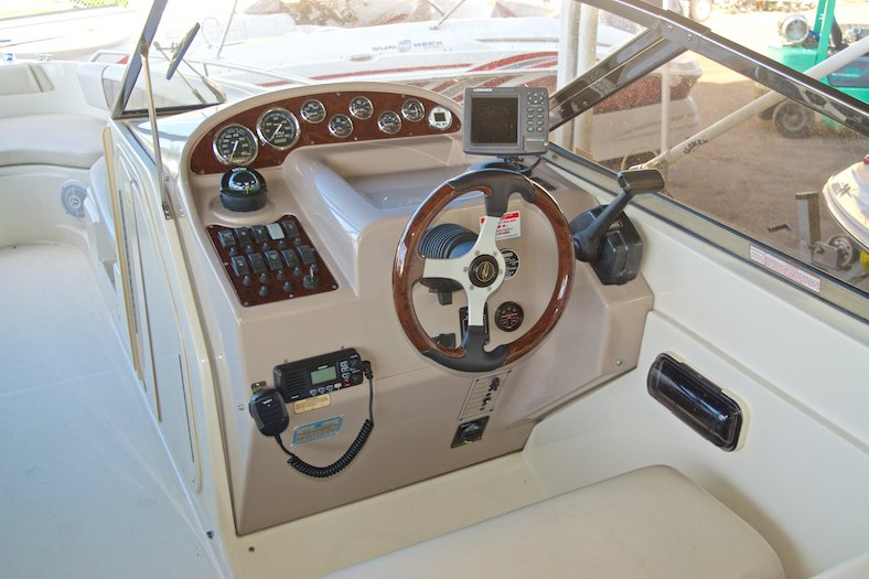 Thumbnail 17 for Used 2002 Regal 2900 LSR Bowrider boat for sale in Miami, FL