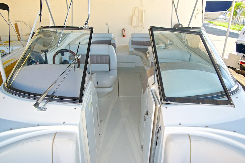 Thumbnail 24 for Used 2002 Regal 2900 LSR Bowrider boat for sale in Miami, FL