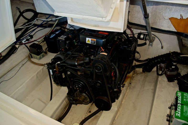 Thumbnail 27 for Used 2002 Regal 2900 LSR Bowrider boat for sale in Miami, FL
