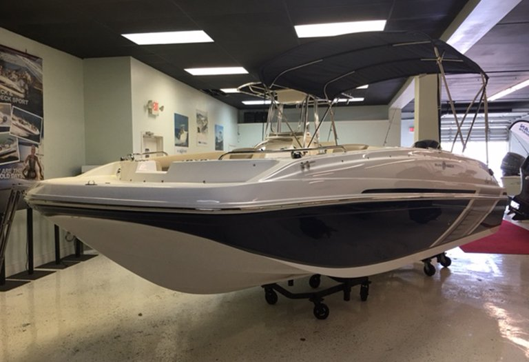 Photo for 2016 Hurricane SunDeck Sport SS 188 OB
