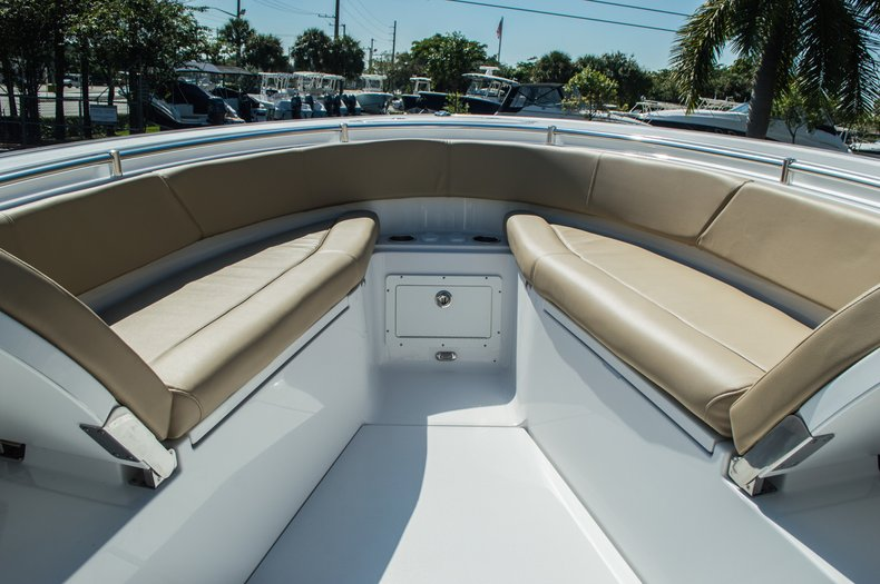Thumbnail 26 for New 2016 Sportsman Open 312 Center Console boat for sale in Miami, FL