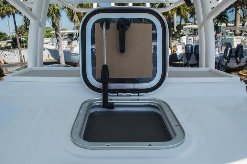 Thumbnail 46 for New 2016 Sportsman Open 312 Center Console boat for sale in Miami, FL