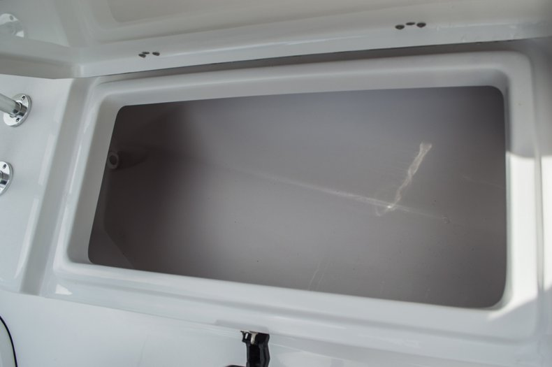 Thumbnail 13 for New 2016 Sportsman Open 212 Center Console boat for sale in Miami, FL