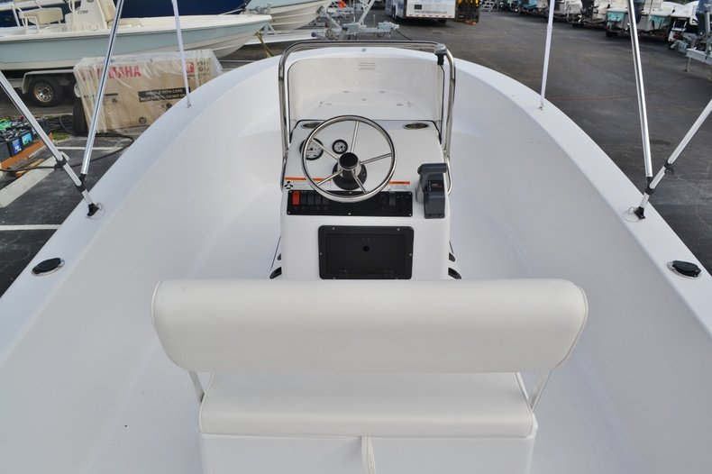 Thumbnail 9 for New 2016 Sportsman 19 Island Reef boat for sale in Miami, FL
