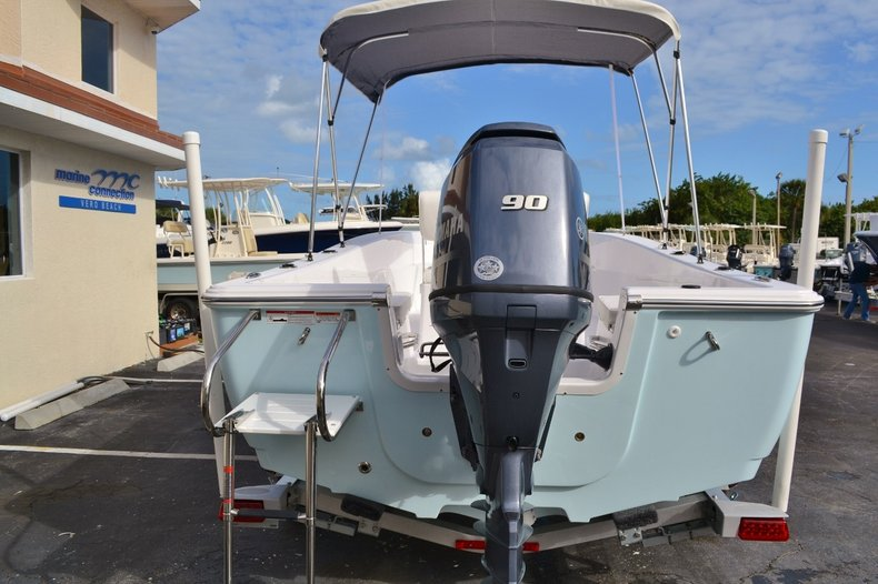 Thumbnail 5 for New 2016 Sportsman 19 Island Reef boat for sale in Miami, FL