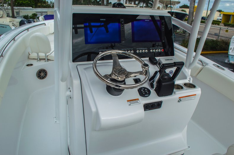 Thumbnail 36 for New 2016 Sportsman Open 252 Center Console boat for sale in Miami, FL