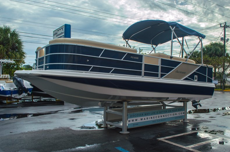 Thumbnail 3 for New 2016 Hurricane FunDeck FD 236 OB boat for sale in Miami, FL