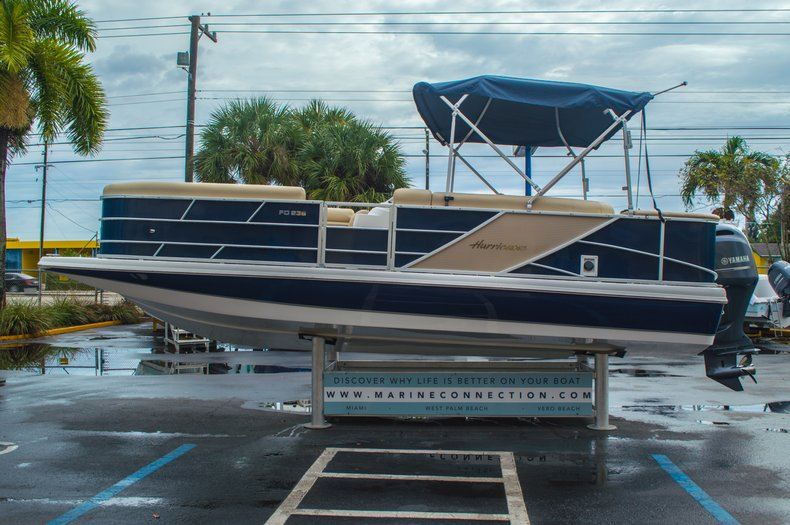 Thumbnail 4 for New 2016 Hurricane FunDeck FD 236 OB boat for sale in Miami, FL
