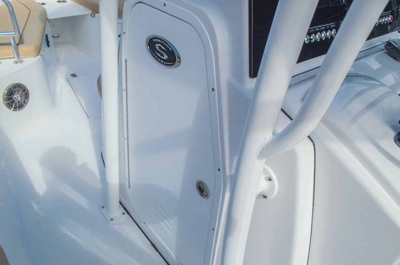 Thumbnail 40 for New 2016 Sportsman Heritage 251 Center Console boat for sale in Miami, FL