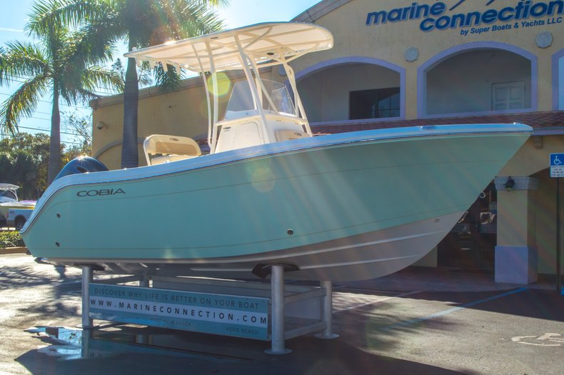 Thumbnail 1 for New 2016 Cobia 201 Center Console boat for sale in Miami, FL