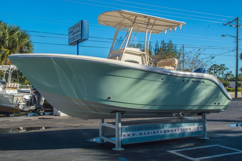 Thumbnail 3 for New 2016 Cobia 201 Center Console boat for sale in Miami, FL