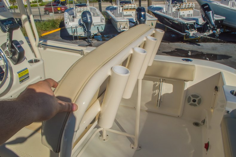 Thumbnail 19 for New 2016 Cobia 201 Center Console boat for sale in Miami, FL