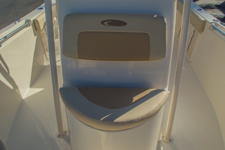Thumbnail 37 for New 2016 Cobia 201 Center Console boat for sale in Miami, FL