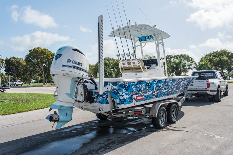 Thumbnail 3 for New 2016 Sportsman Masters 247 Elite Bay Boat boat for sale in Miami, FL